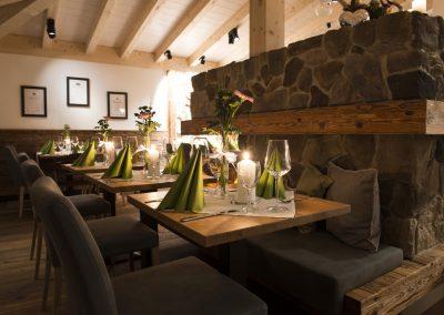 Unser modern gestyltes Fischrestaurant direkt am See