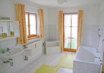 Großzügiges Bad in einer unserer Ferienwohnungen